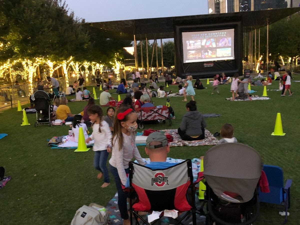 Movie in the Park, Klyde Warren Park