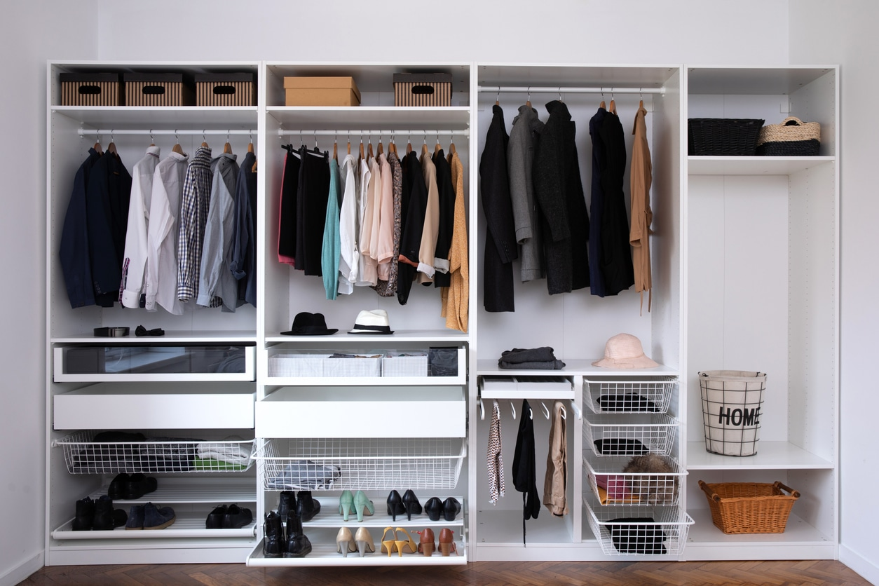 Tips to declutter your home; organizing your home, organization