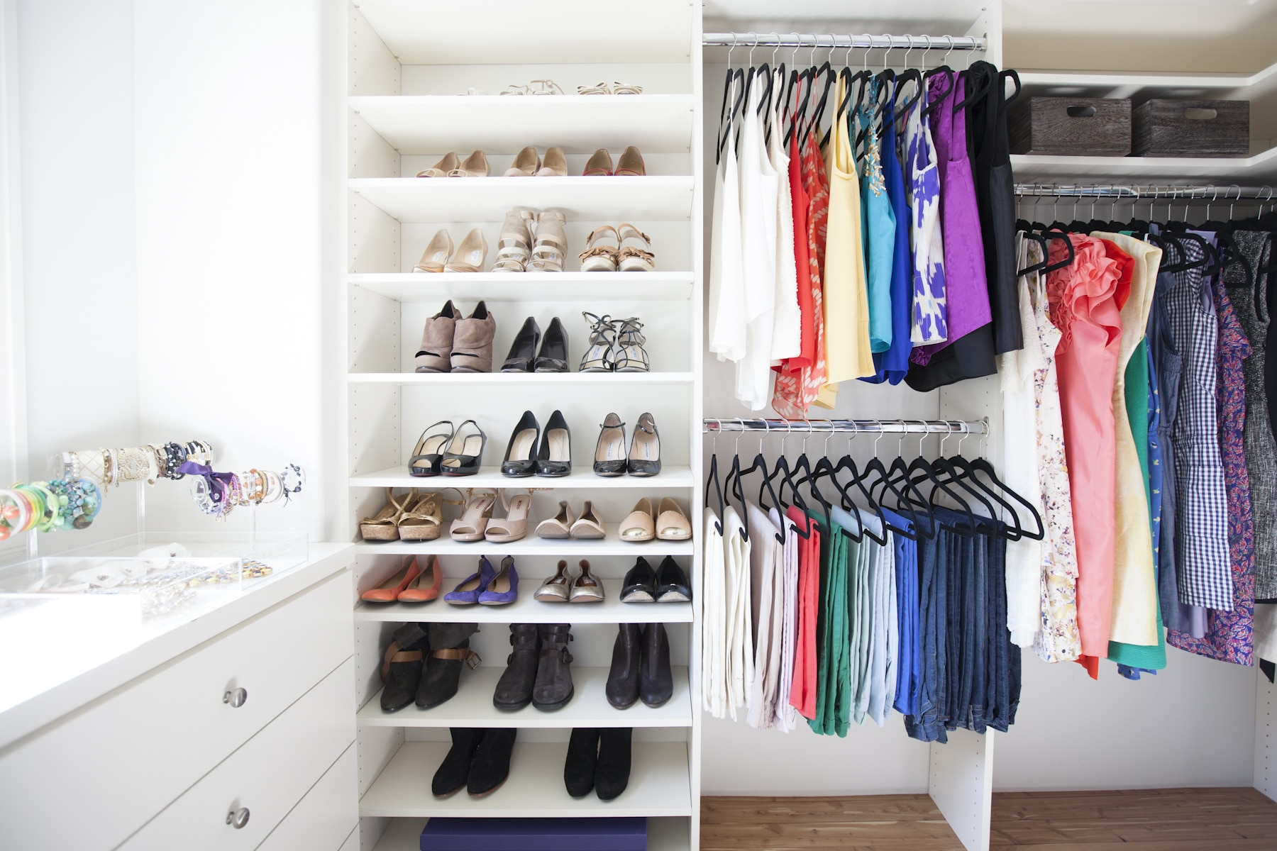 Closet organization and clean out by The Neat Method and Gracefully Nested