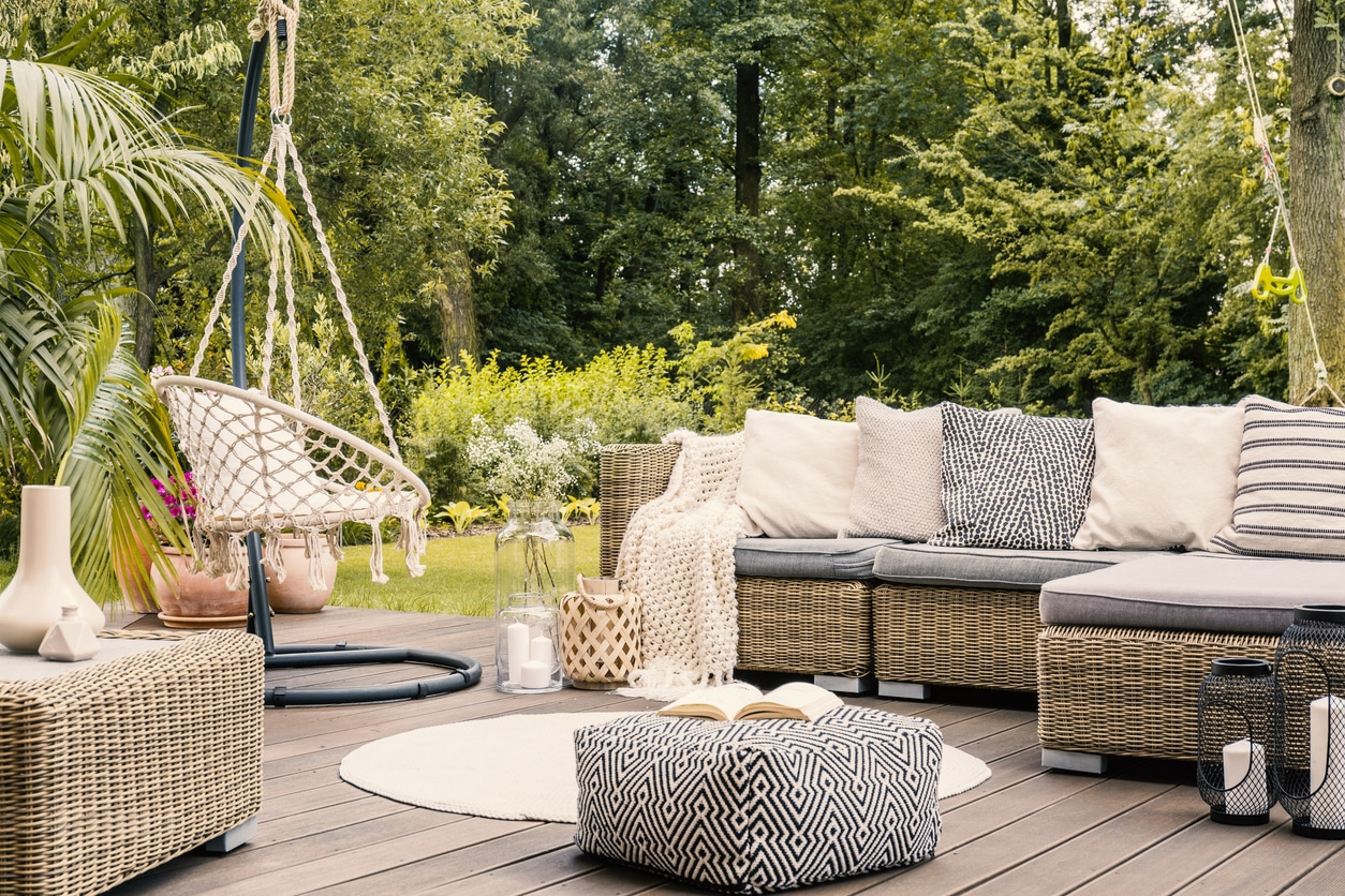 Backyard patio decor ideas