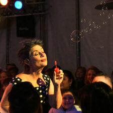 Tiffany Riley, Circo Metropolis Winter Circus, photo credit Laughter League