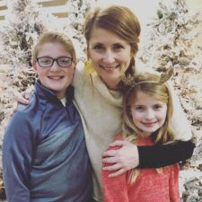 joanna waller with her kids