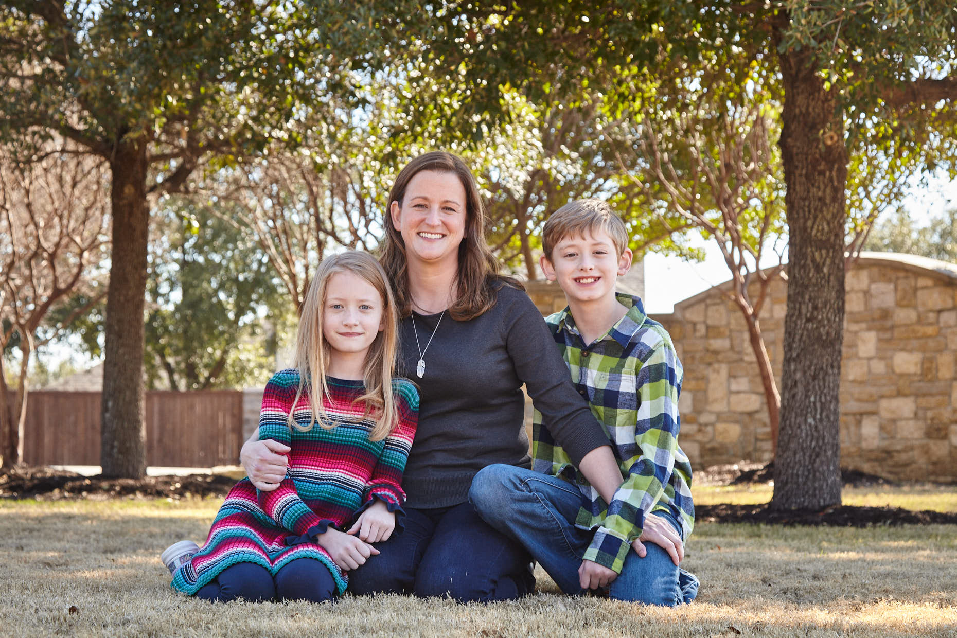 shelly collinsworth with her kids
