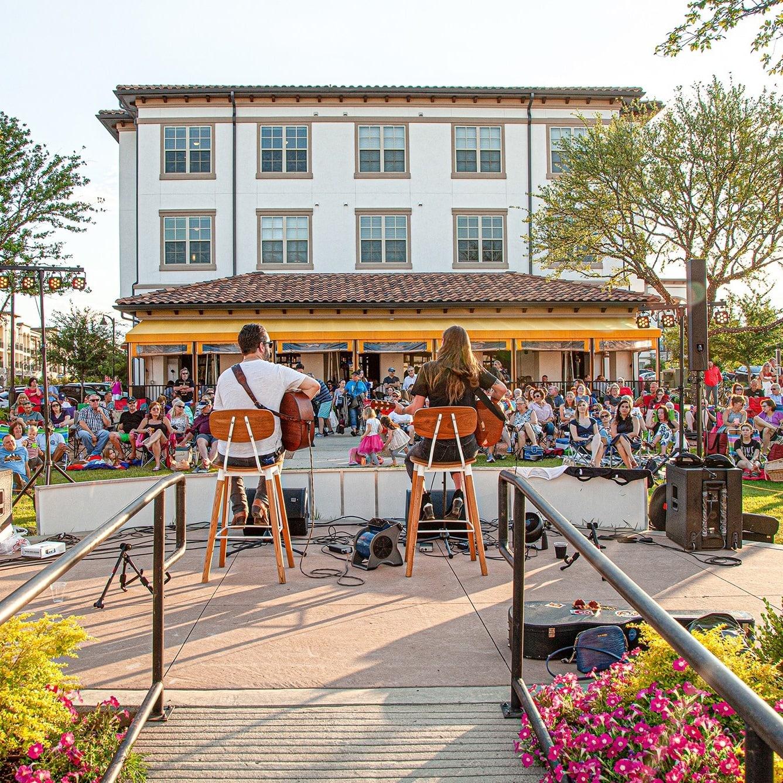 Lakeside Music Series, The Shops at Lakeside