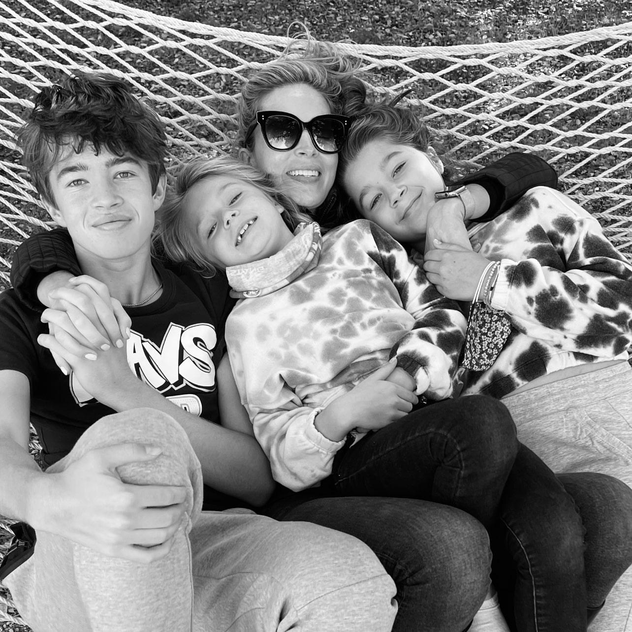 jamie o'banion with her kids