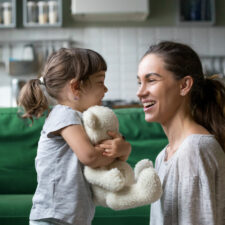 iStock, mother daughter with teddy bear,